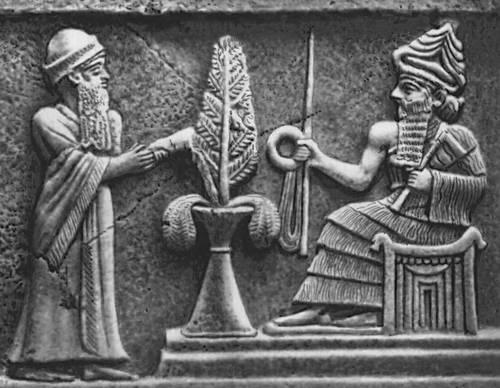 Stela_of_Ur-Nammu_detail Ur-Nammu-stela showing detail of rod, ring and beaded measuring flail